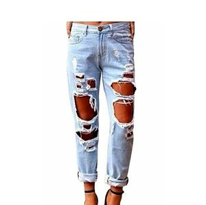 Denim - Distressed Boyfriend Cut Light Wash Jeans